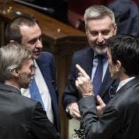 Governo, parte la fronda tra i dem. Renzi: