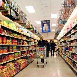 Alimentari, tabacchi, trasporti: riparte l'inflazione a marzo