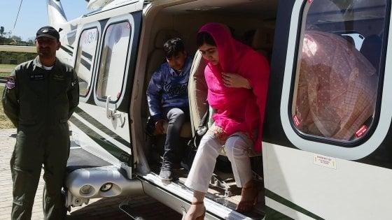 093353394 504c693c a6d5 46b8 be0b 5c34ee9b5856 - Malala Yousufzai sulla copertina britannica di Vogue