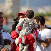Migrazioni, Bruxelles: impronte digitali prese con la forza anche ai bimbi
