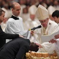Papa Francesco nella veglia pasquale sferza i cristiani