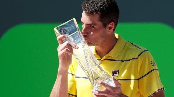 Tennis, Miami: vince Isner, Zverev ko in finale