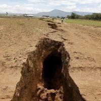 La terra si apre nella Rift Valley
