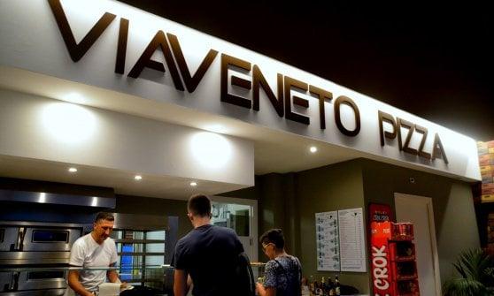 Abruzzo: studenti nella vita e pizzaioli in memoria dei genitori, scomparsi a Rigopiano