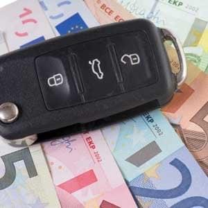 Rc auto: il premio medio continua a diminuire