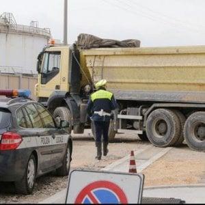 Incidenti sul lavoro: a Marghera operaio travolto e ucciso da Tir