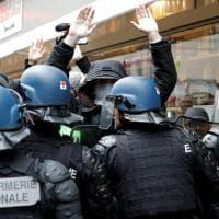 Francia, scontri a Parigi contro riforma trasporti