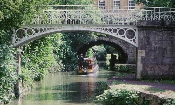 Tra Windsor e le Midlands, l'Inghilterra da una houseboat
