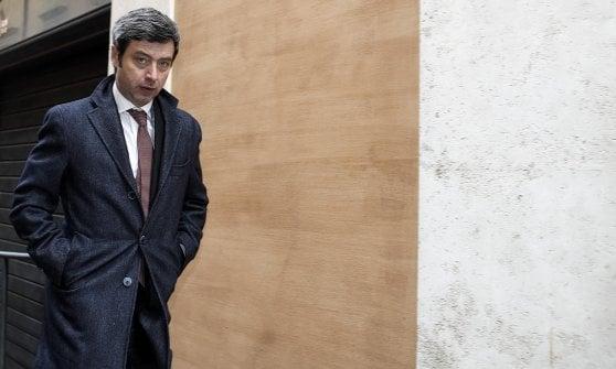 """Pd, Martina chiude al M5s e chiede unità al partito. Orlando attacca Renzi: """"Lasci lavorare il reggente"""""""