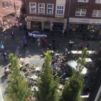 Germania, furgone sulla folla a Münster - le immagini