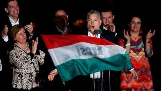 """Ungheria, Orbán vince le elezioni con quasi il 50 per cento dei voti. """"Ora difenderemo la madrepatria"""""""