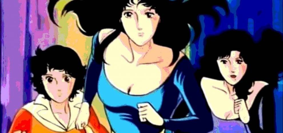 Cristina D'Avena canta 'Occhi di gatto' con il creatore del manga. E commuove i fan