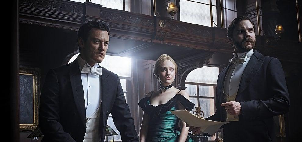 """'L'alienista', Dakota Fanning prima detective di New York: """"Sarah merita di stare sul podio"""""""
