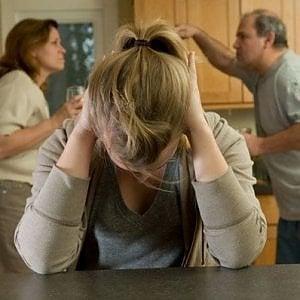 Chi difende il minore da mamma e papà che litigano in Tribunale?