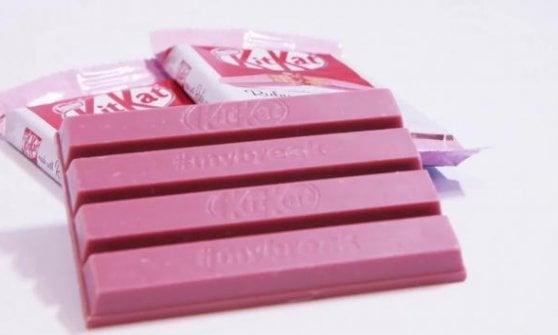 Il KitKat rosa alla conquista dell'Italia: la svolta a colori delle barrette più famose