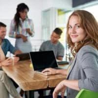 La felicità al lavoro esiste,  tutti i segreti delle organizzazioni positive