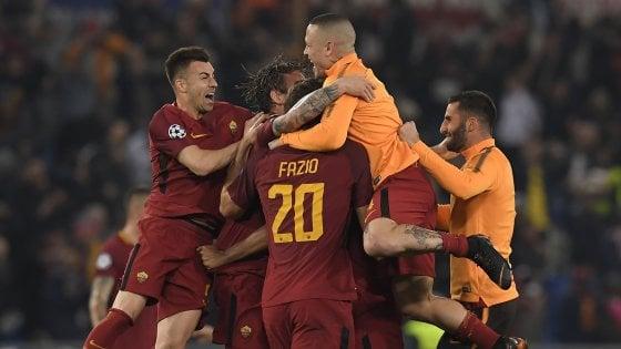 Champions, impresa della Roma: fa tre gol al Barcellona e va in semifinale