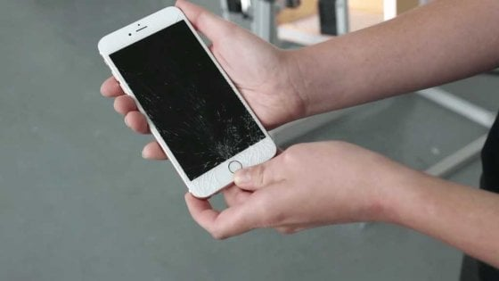 Apple, iOS 11.3 ha disabilitato i display touch riparati da terze parti