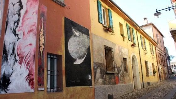"""Borghi dipinti. La piccola Italia dei murales """"ufficiali"""" tutta da scoprire"""