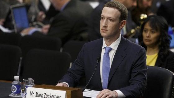 """Cambridge Analytica, Zuckerberg: """"Facebook ha responsabilità sui contenuti, violati anche i miei dati"""""""