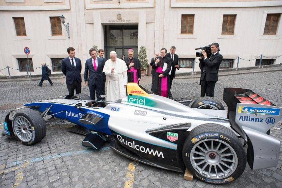 La Formula E benedetta dal papa