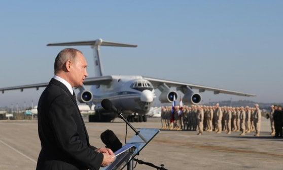 """Siria, Trump avverte la Russia: """"Preparatevi ai nostri missili"""". La replica: """"Colpisca terroristi"""""""