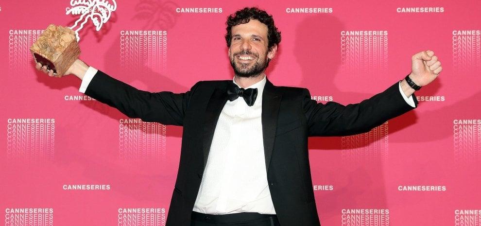 Francesco Montanari premiato a Canneséries per il suo ruolo ne 'Il cacciatore'