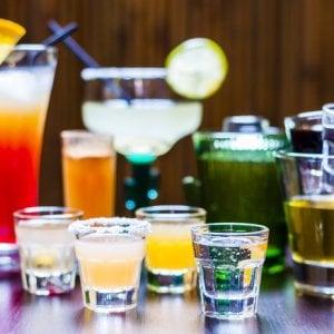 """""""L'alcol accorcia la vita, 4 anni in meno con 18 bicchieri a settimana"""""""