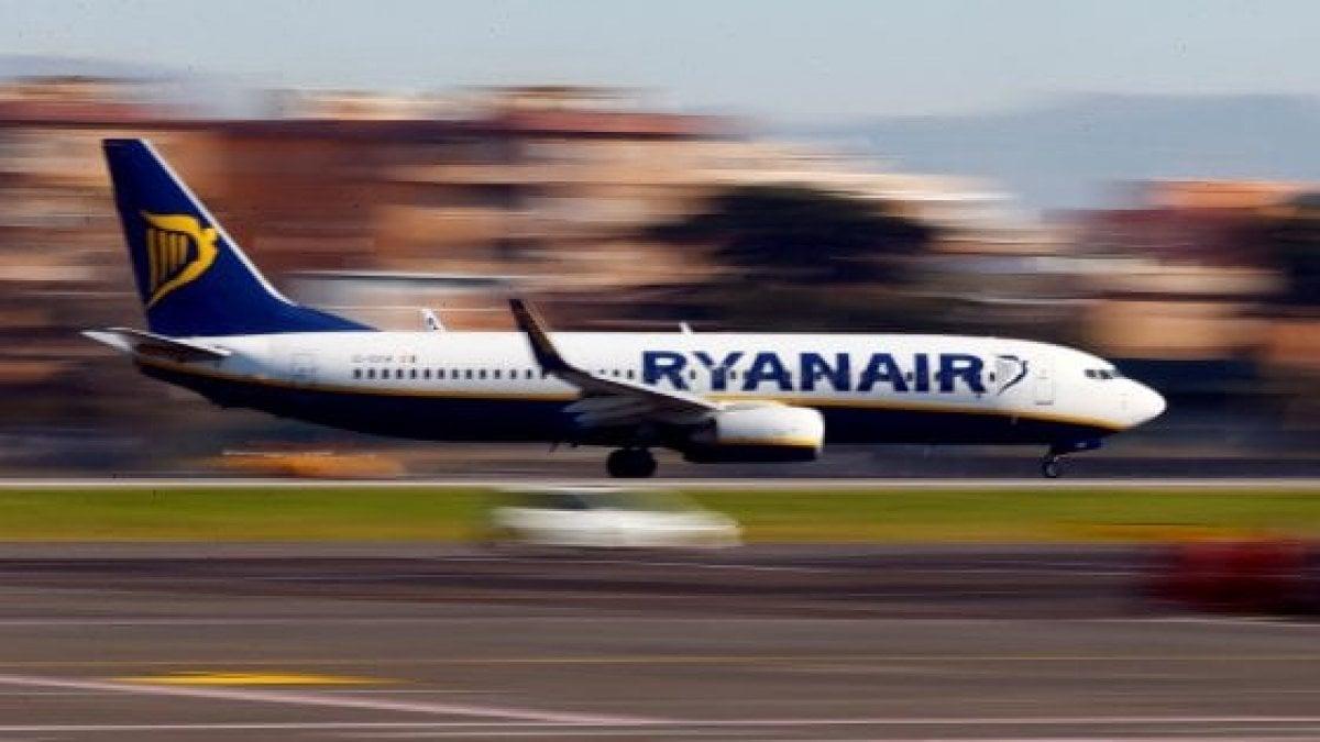 Ufficio Emirates A Roma : Emirates e flybe nuovo accordo per rotte turismo