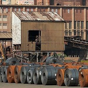 Ilva, anche Piombino tra i siti in vendita di ArcelorMittal. Lussemburgo contro una cessione
