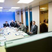 Siria, Macron nella sala operativa dà l'ordine di attaccare