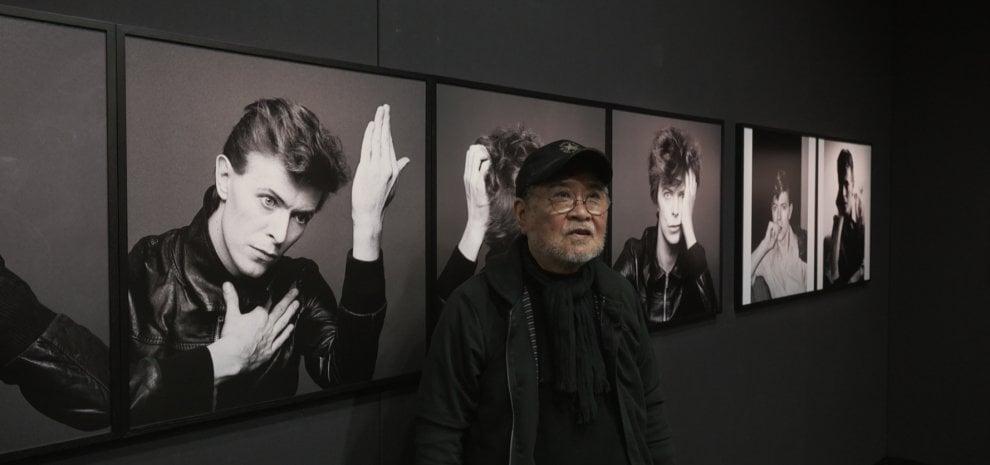 """Sukita, il fotografo di David Bowie: """"Il segreto di un ritratto? Azzeccare il momento buono"""""""