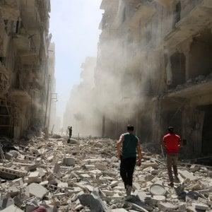 """Siria, esplosione a sud di Aleppo presso base iraniana. Media siriani: """"Raid di Israele"""", Hezbollah smentisce"""