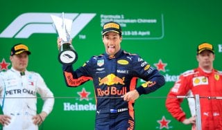 F1, Gp Cina: vince Ricciardo, Bottas secondo davanti a Raikkonen. Vettel solo ottavo