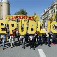 """Barcellona, migliaia in piazza: """"Libertà per i prigionieri politici"""""""