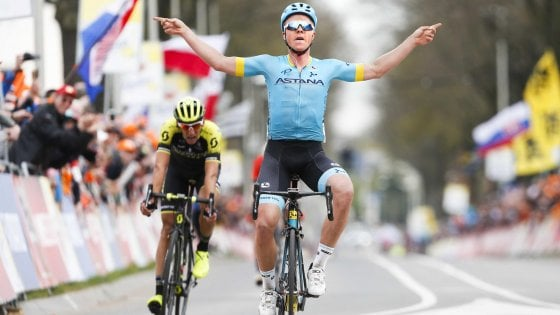 Ciclismo, Amstel: vince il danese Valgren, Gasparotto chiude sul podio