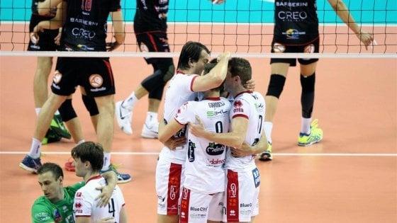 Volley, Superlega: Trento trascina Perugia in gara-5, Civitanova in finale