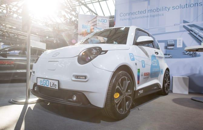 Bosch, parcheggiare l'auto con una app