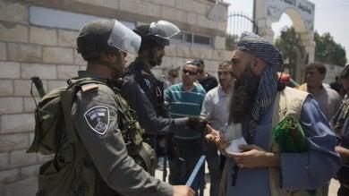 """Gaza, OMS: """"Molti palestinesi muoiono  senza cure in attesa del visto israeliano  necessario per uscire dalla Striscia"""""""