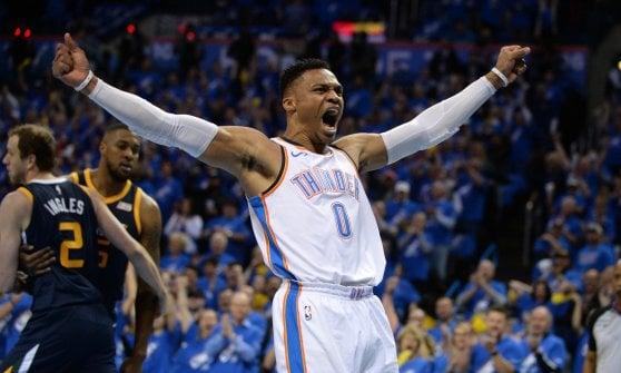Basket, playoff Nba: partenza falsa Cleveland, Harden trascina Houston