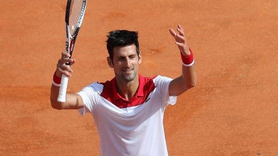 Tennis, Montecarlo: Djokovic batte un colpo, travolto Lajovic. Subito fuori Lorenzi