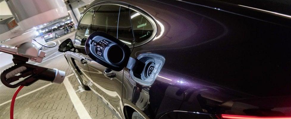 Il parcheggio diventa autonomo: lasci la macchina sulla porta e lei va a cercare un posto