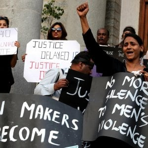 L'India torna in piazza per dire no agli stupri