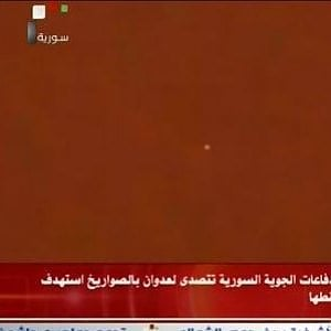 """Siria, tv di Stato annuncia nuovo attacco: """"Abbattuto missile"""". Ma fonti militari smentiscono"""