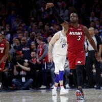 Basket, Nba: Wade ferma Philadelphia, Durant-Thompson stendono San Antonio