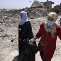 Iraq, Amnesty denuncia: donne legate a Isis stuprate nei campi profughi