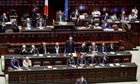 """Siria, Gentiloni: """"Armi chimiche inaccettabili. Italia non è neutrale, coerente alleato degli Stati Uniti"""""""