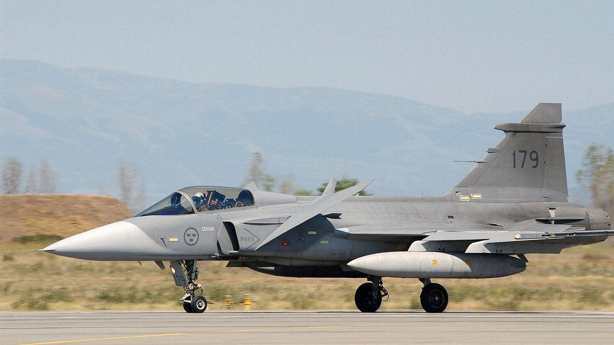 Aereo Da Caccia Oggi : Ticinonline si ai nuovi aerei da combattimento
