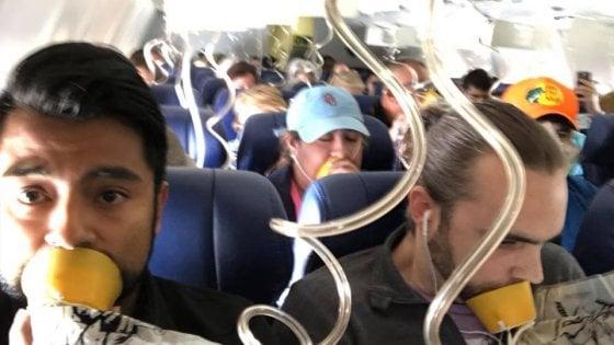 Usa, esplode motore di un aereo: almeno un morto e 7 feriti