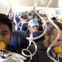 Terrore su volo New York-Dallas, esplode motore: muore donna che aveva corso il rischio...